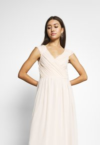 Nly by Nelly - CAP SLEEVE MAXI GOWN - Abito da sera - champagne - 3