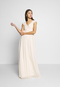 Nly by Nelly - CAP SLEEVE MAXI GOWN - Abito da sera - champagne - 1