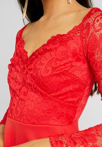 Nly by Nelly - OFF SHOULDER SKATER - Sukienka etui - red - 4