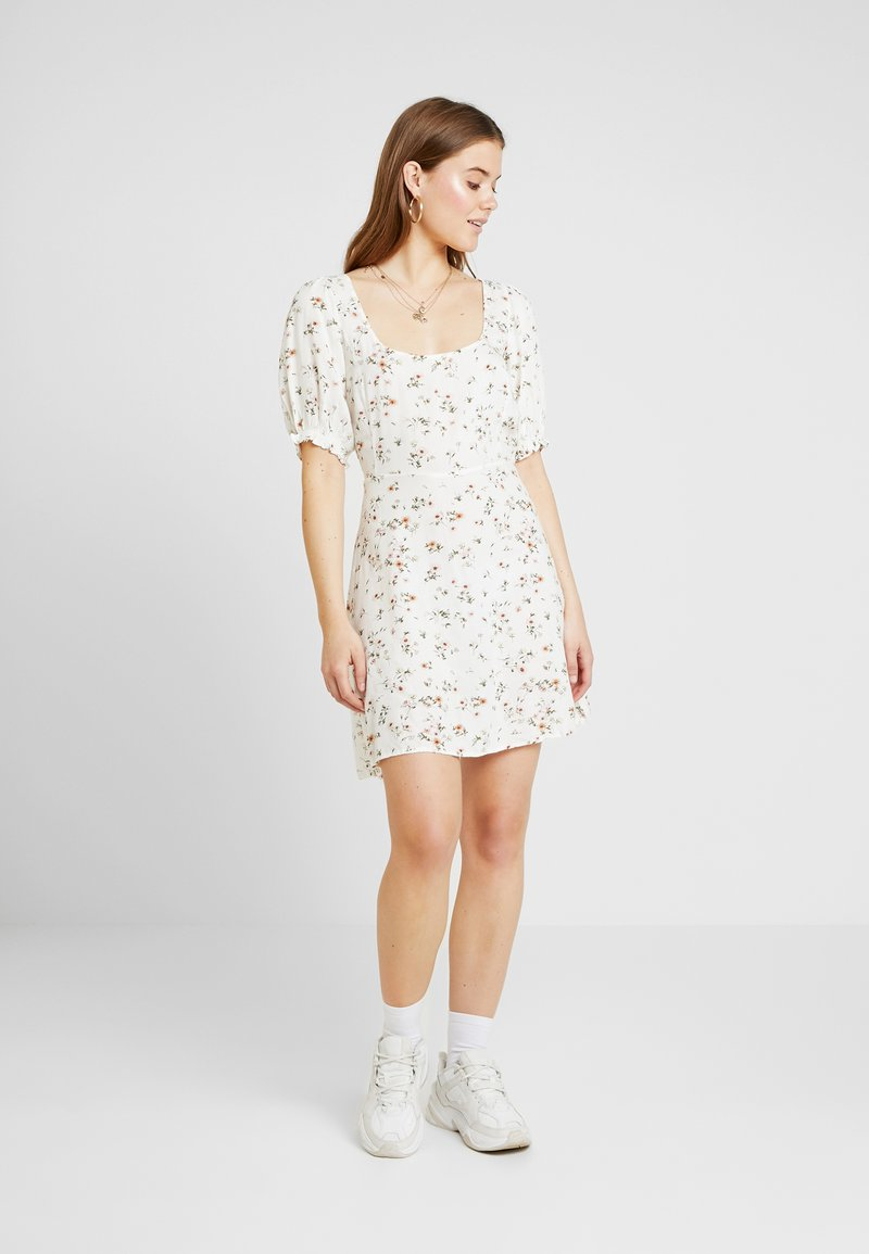 Nly by Nelly - SWEET PRINT DRESS - Day dress - white