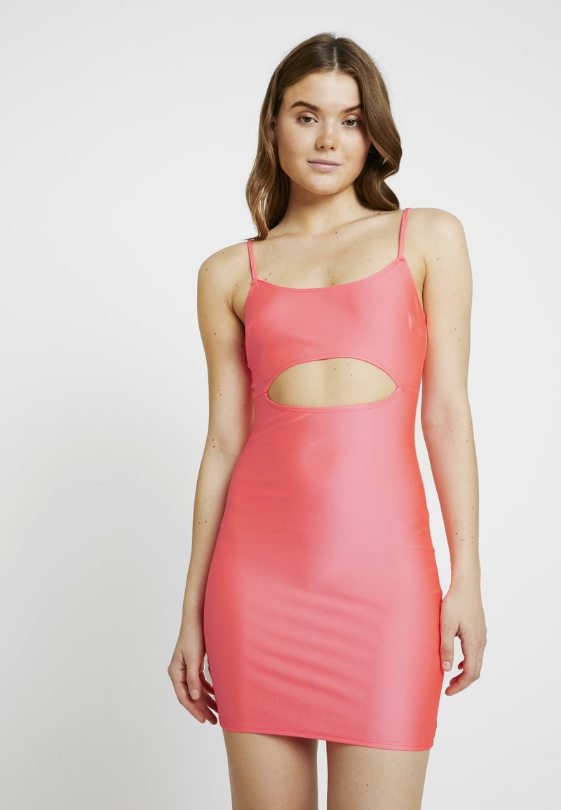 Nly by Nelly - SO GLOSSY CUT DRESS - Tubino - pink