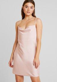 Nly by Nelly - SLIP BACK DRESS - Denní šaty - light pink - 0