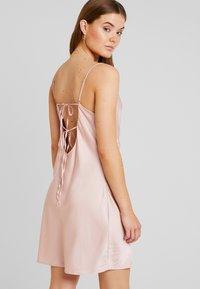 Nly by Nelly - SLIP BACK DRESS - Denní šaty - light pink - 3
