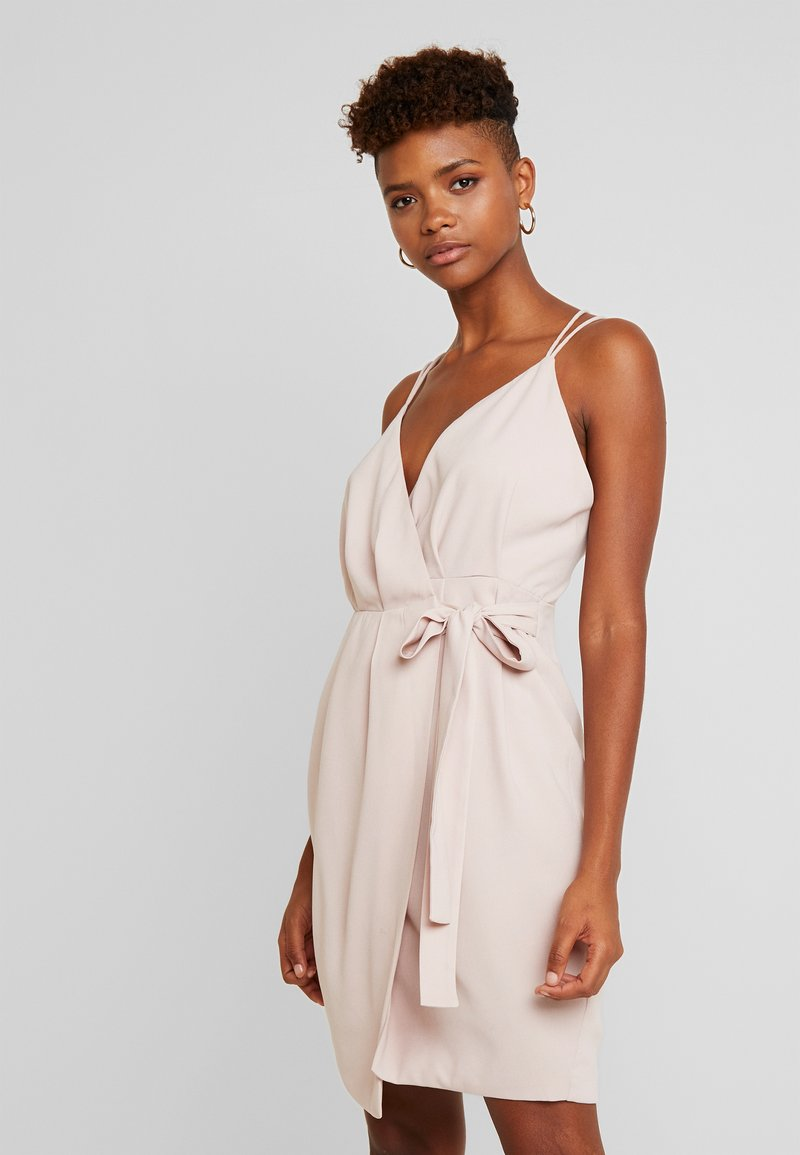 Nly by Nelly - Cocktail dress / Party dress − fitted waist