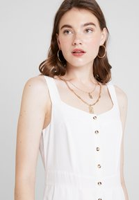 Nly by Nelly - FRONT BUTTON DRESS - Košilové šaty - white - 4