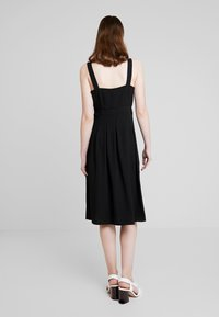 Nly by Nelly - FRONT BUTTON DRESS - Abito a camicia - black - 2