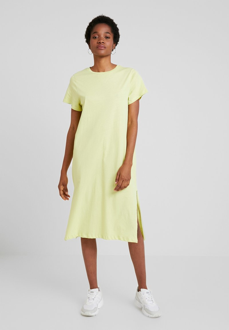 Nly by Nelly - LOVESOME SLIT TEE DRESS - Vestido largo - lime