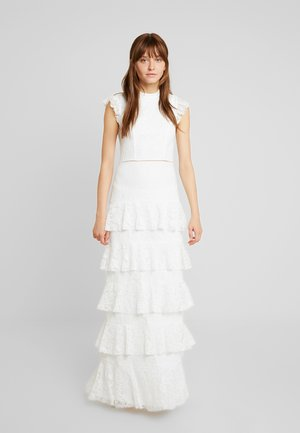 CUPCAKE HIGH NECK GOWN - Společenské šaty - white