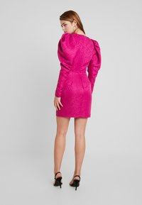 Nly by Nelly - PUFF SLEEVE DRESS - Cocktailjurk - fuchsia - 3