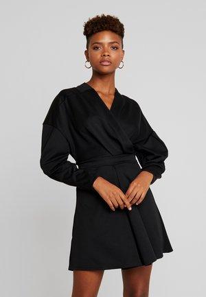 RELAXED SHOULDER DRESS - Robe d'été - black