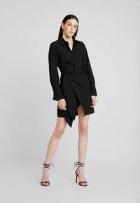 Nly by Nelly - WRAPPED DRESS - Košilové šaty - black - 2