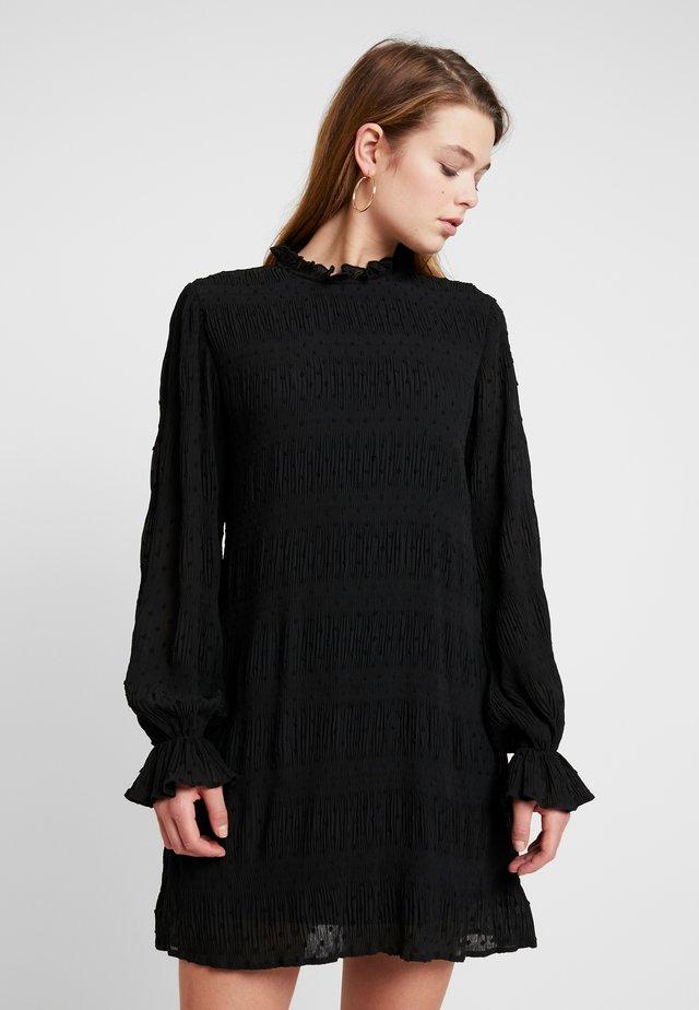 DOBBY SHIFT DRESS - Freizeitkleid - black