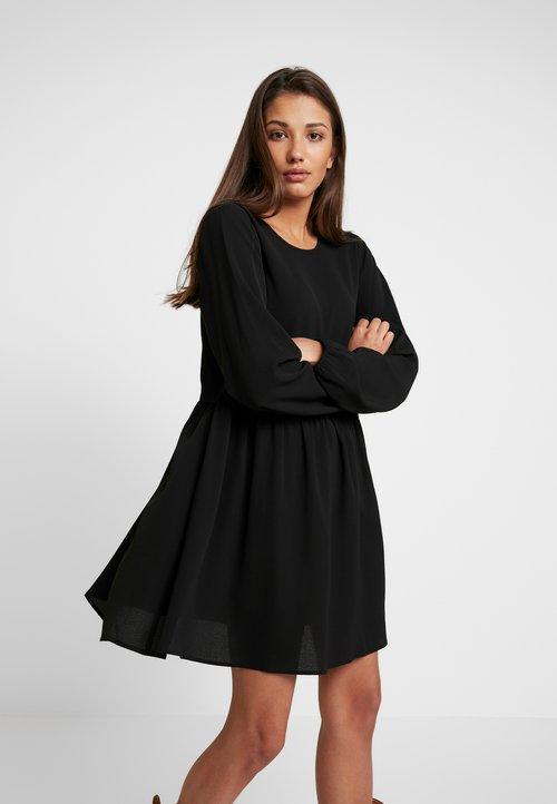 Nly by Nelly DEEP BACK SHIFT DRESS - Sukienka letnia - black Odzież Damska Sukienki BHPV-VE5 80% ZNIŻKI