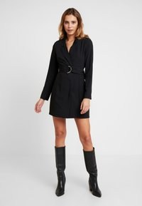 Nly by Nelly - FABULOUS SUIT DRESS - Robe fourreau - black - 0