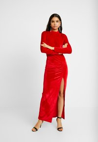 Nly by Nelly - DRAPY GOWN - Ballkleid - red - 0