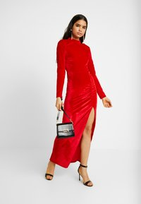 Nly by Nelly - DRAPY GOWN - Ballkleid - red - 1