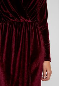 Nly by Nelly - DRAPED WAIST GOWN - Occasion wear - burgundy - 7