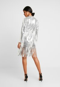 Nly by Nelly - WRAP FRINGE SEQUIN DRESS - Cocktail dress / Party dress - silver - 3
