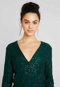 Nly by Nelly - SPARKLY DRESS - Sukienka koktajlowa - green - 4