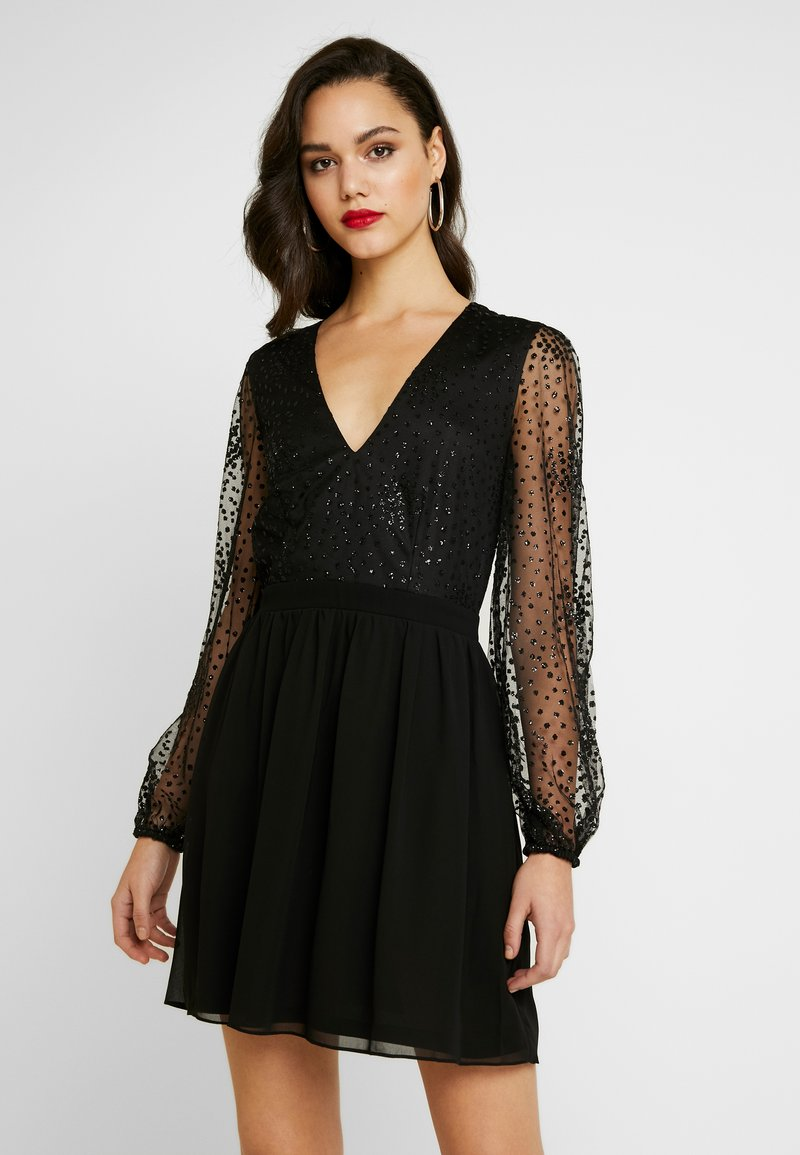 Nly by Nelly - RITZY GLITTER SKATER DRESS - Cocktailklänning - black