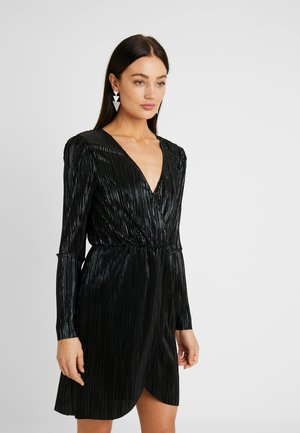 SHINY PLEATED DRESS - Sukienka koktajlowa - black
