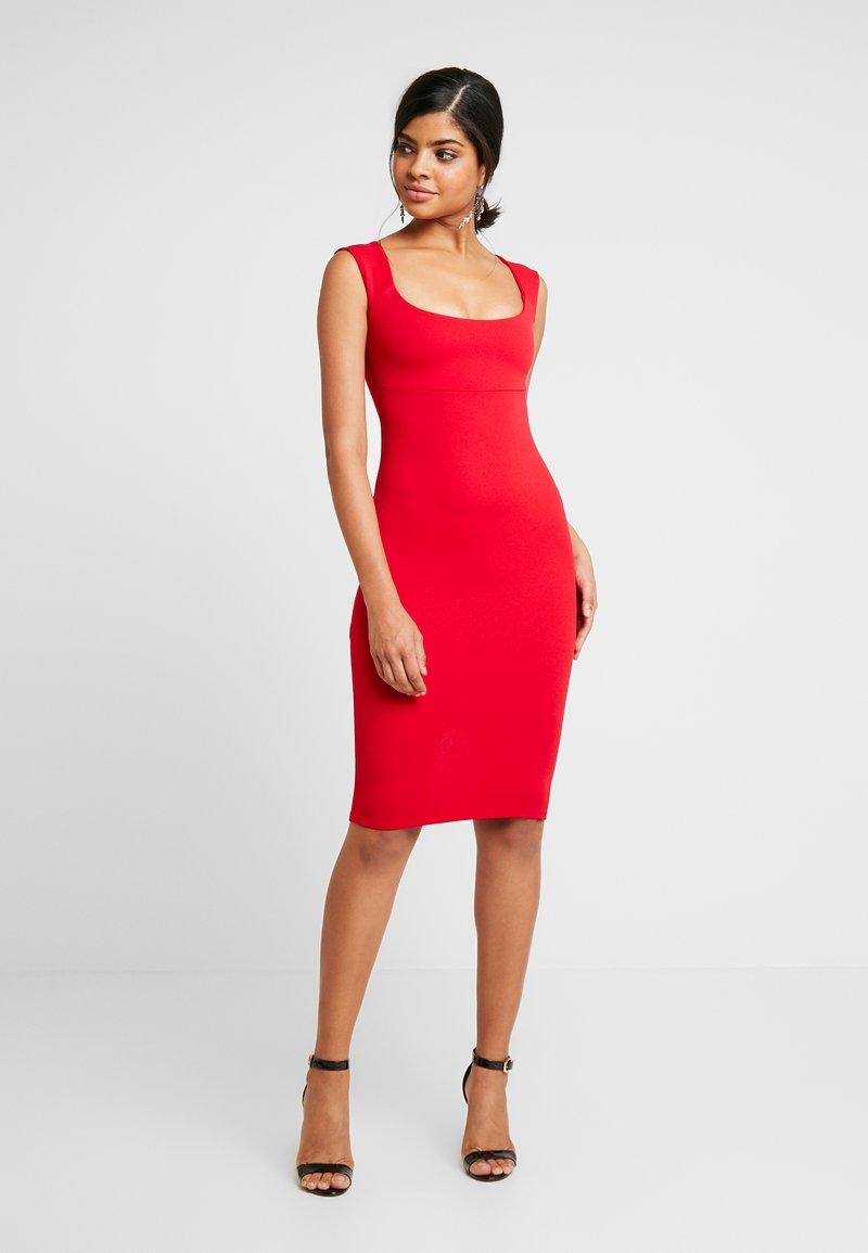 Nly by Nelly - PUSH UP NECKLINE DRESS - Pouzdrové šaty - red
