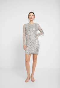 Nly by Nelly - FRINGE BODYCON DRESS - Juhlamekko - silver - 2
