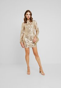 Nly by Nelly - SEQUIN DRESS - Cocktailkjole - champagne - 2