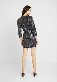 Nly by Nelly - MULTI SEQUIN DRESS - Cocktailkjole - blue - 2