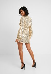 Nly by Nelly - PUFFY SLEEVE SEQUIN DRESS - Sukienka koktajlowa - gold - 2
