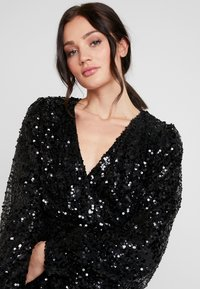 Nly by Nelly - PUFFY SLEEVE SEQUIN DRESS - Vestito elegante - black - 4