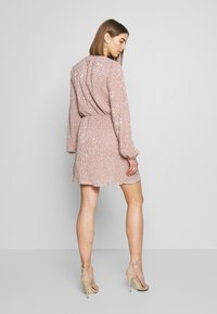 Nly by Nelly - BALLOON SLEEVE DRESS - Cocktailklänning - lt pink - 2