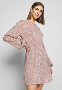 Nly by Nelly - BALLOON SLEEVE DRESS - Cocktailklänning - lt pink - 3