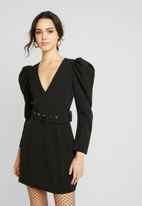 Nly by Nelly - BELTED PUFF DRESS - Cocktailkjole - black - 0