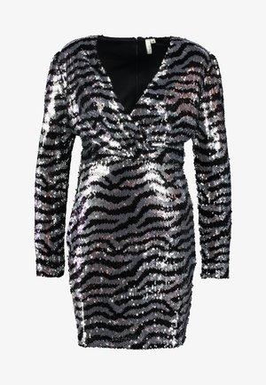 ZEBRA SEQUIN DRESS - Koktejlové šaty/ šaty na párty - silver
