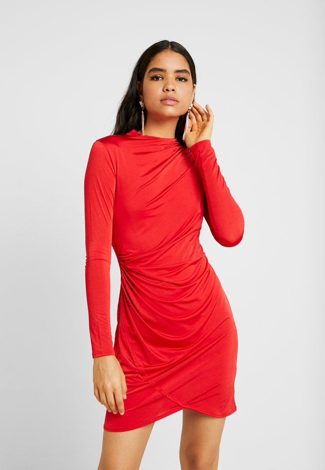 DRAPE NECK DRESS - Vestido de cóctel - red