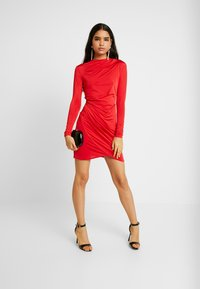 Nly by Nelly - DRAPE NECK DRESS - Sukienka koktajlowa - red - 1