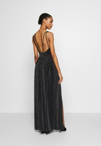 Nly by Nelly - GLITTER DOUBLE SLIT DRESS - Robe de cocktail - black - 2