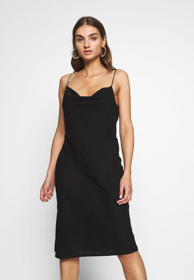 CHAIN STRAP DRESS - Koktejlové šaty/ šaty na párty - black