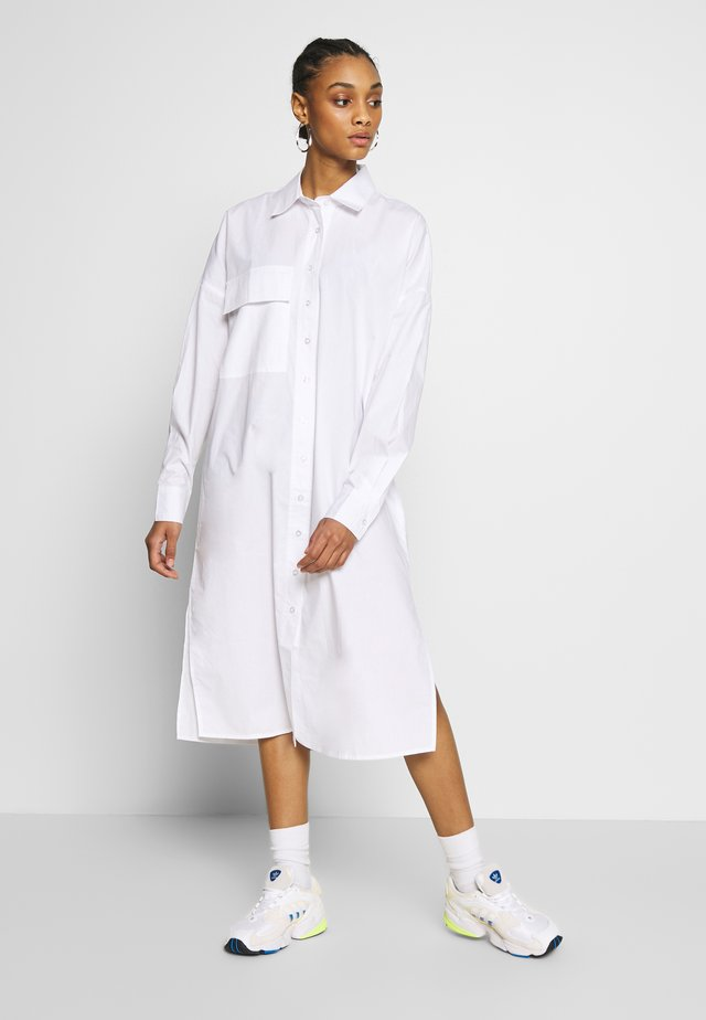 MAXI SHIRT DRESS - Shirt dress - white