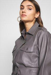 Nly by Nelly - OVERSIZE DRESS - Shirt dress - grey - 3