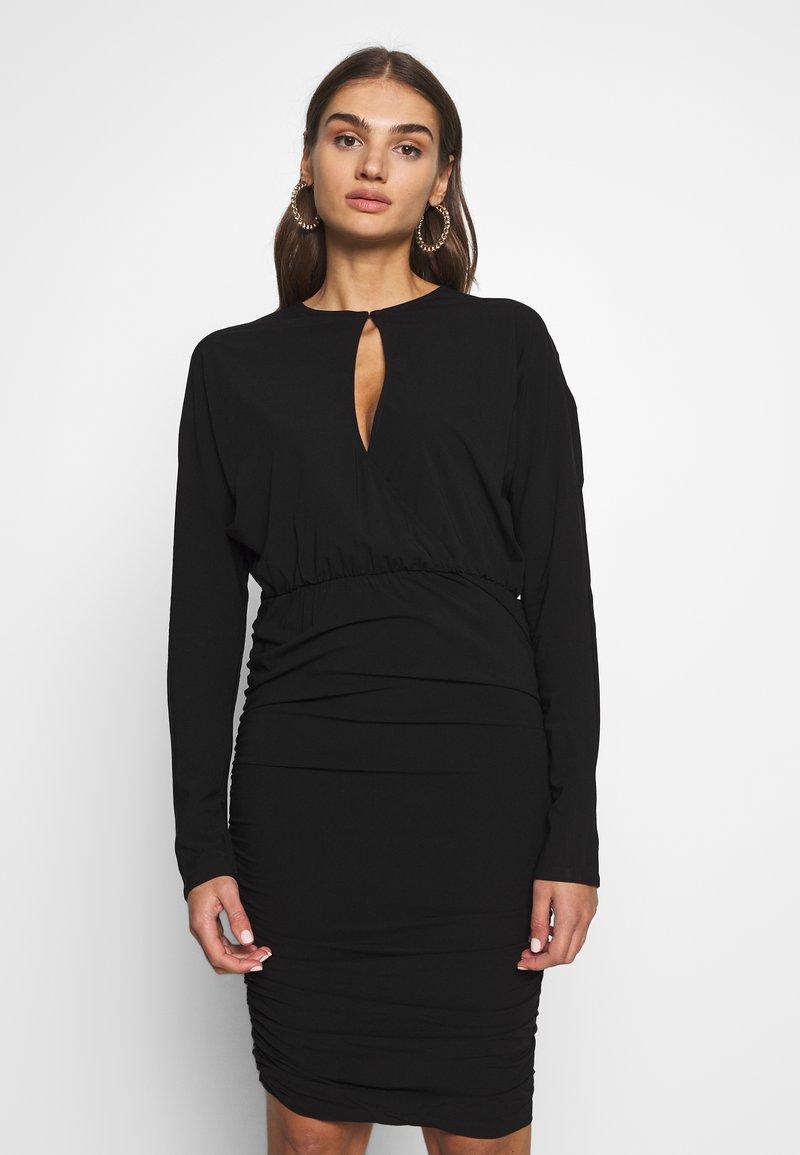 Nly by Nelly - BOOM DRESS - Vestito elegante - black