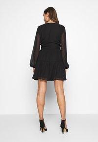 Nly by Nelly - FIERCE WRAP DRESS - Vestido informal - black - 2