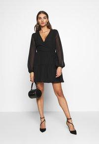 Nly by Nelly - FIERCE WRAP DRESS - Vestido informal - black - 1
