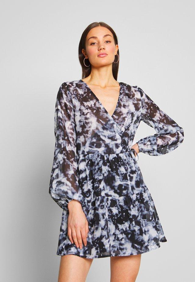 FIERCE WRAP DRESS - Vestito estivo - multi-coloured