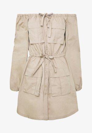 FLIRTY CARGO DRESS - Skjortekjole - beige