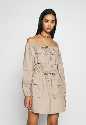 FLIRTY CARGO DRESS - Abito a camicia - beige