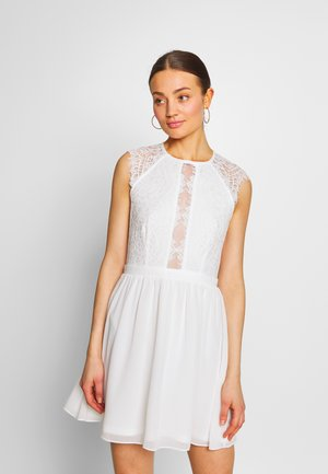 SO GOOD CAP SLEEVE DRESS - Juhlamekko - white