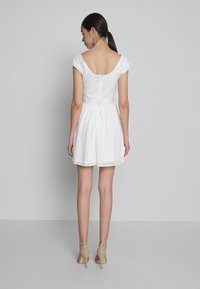 Nly by Nelly - UPPER DRESS - Korte jurk - white - 2