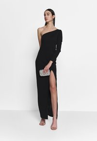 Nly by Nelly - IRRESISTIBLE ONE SHOULDER GOWN - Abito da sera - black - 1